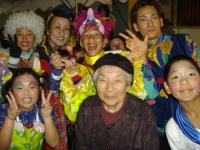 Cast with Osugi grandma